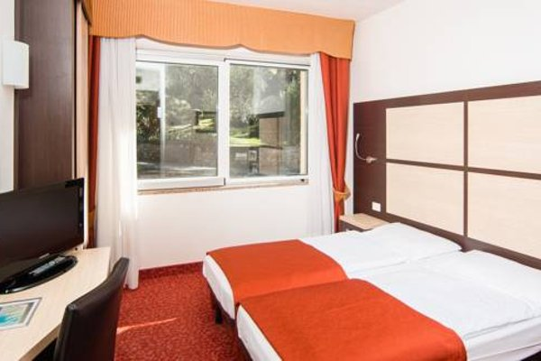 Panoramic Hotel Benacus - фото 5