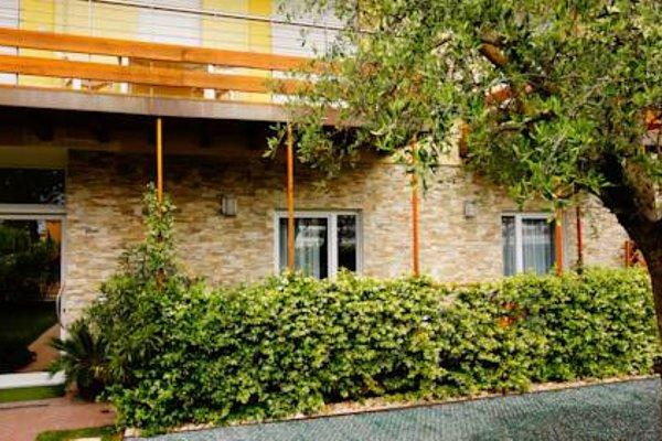 Residence Rivachiara (check-in at Hotel Riviera in Viale Rovereto, 95) - фото 19