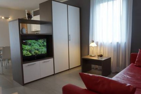 Residence Rivachiara (check-in at Hotel Riviera in Viale Rovereto, 95) - фото 4