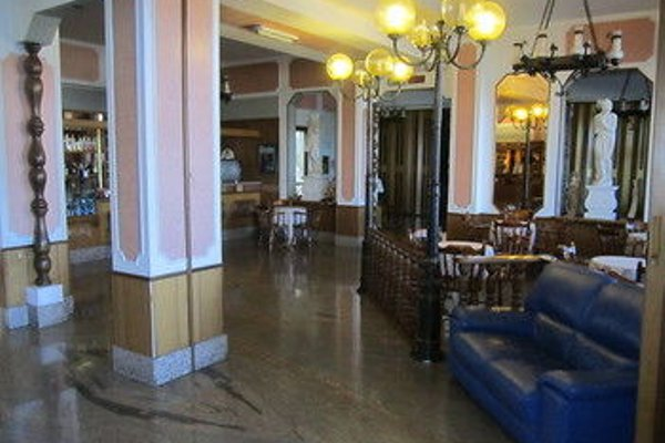 Tourist Hotel - фото 7