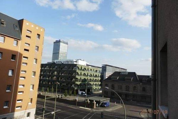 Berlin East Gallery An Der Spree - фото 12