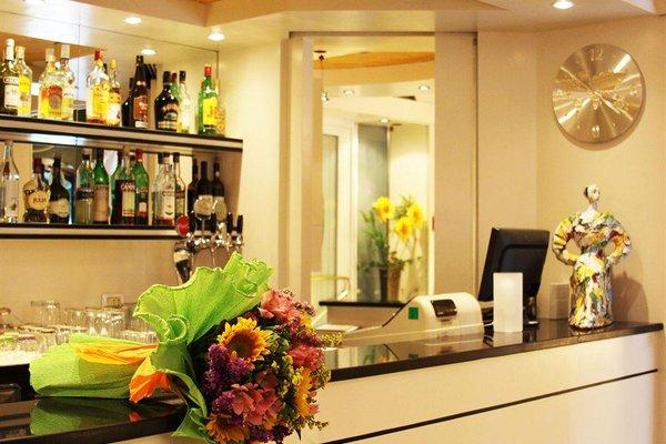 Petit Hotel - 16
