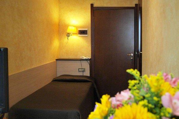 Petit Hotel - 5