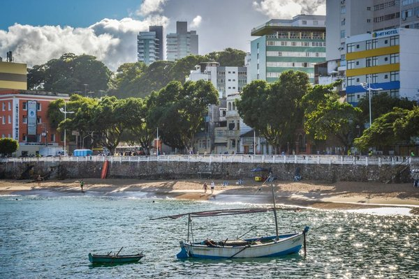 Hit Hotel - 32