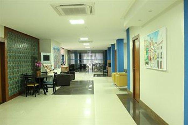Hit Hotel - 18