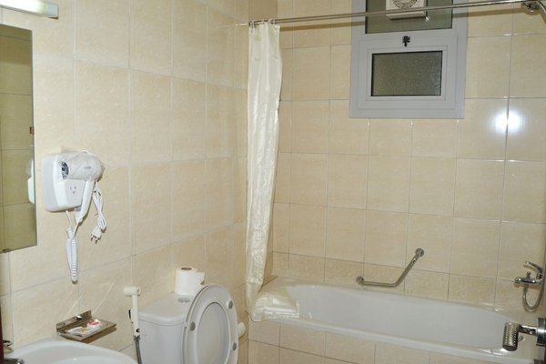 Al Khaleej Plaza Hotel Apartments - фото 3