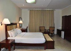 OYO 366 Waves Hotel фото 3