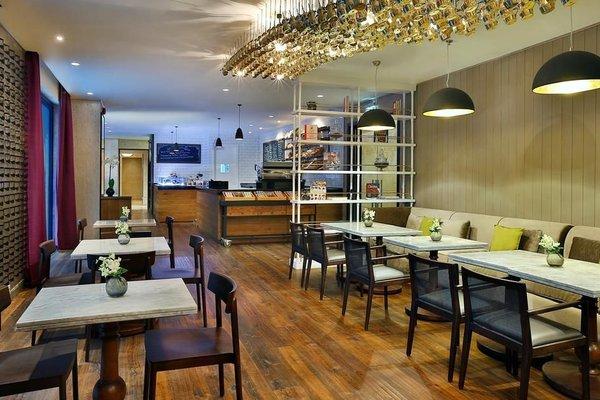 The Ritz-Carlton Executive Residences - 8