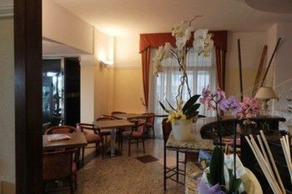 Hotel Residence Villa Jolanda - 9