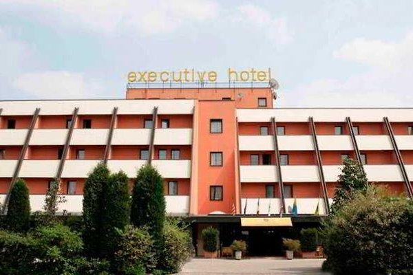 Hotel Executive - фото 22