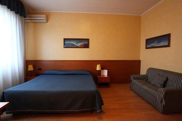Hotel Lincoln - 4