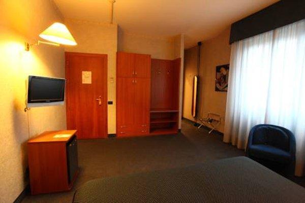 Hotel Lincoln - 9