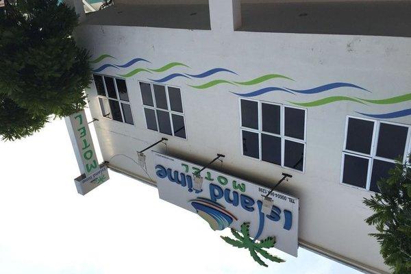 Island Time Motel - 16