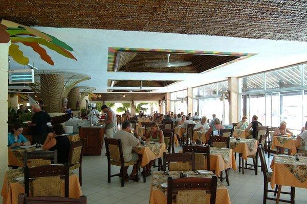 Bamburi Beach Hotel - фото 11