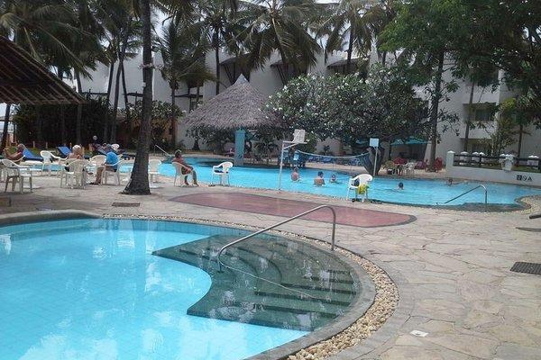 Bamburi Beach Hotel - фото 20