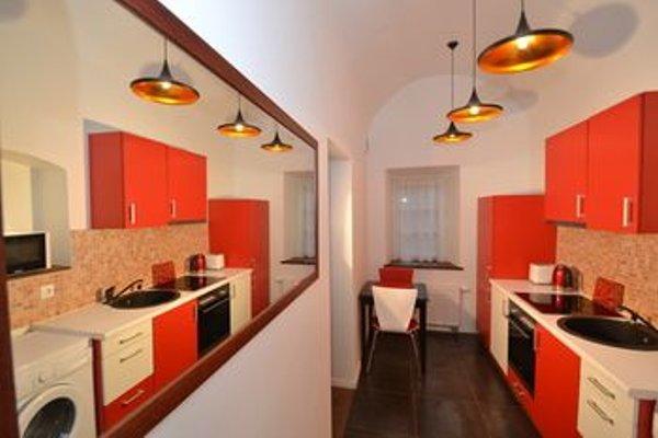 Rentida Apartments - фото 10