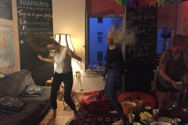 Cinnamon Sally Backpackers Hostel - фото 21