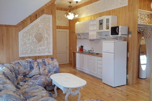 Naiza Guesthouse and Apartments - фото 5