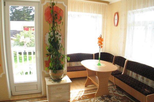 Naiza Guesthouse and Apartments - фото 9