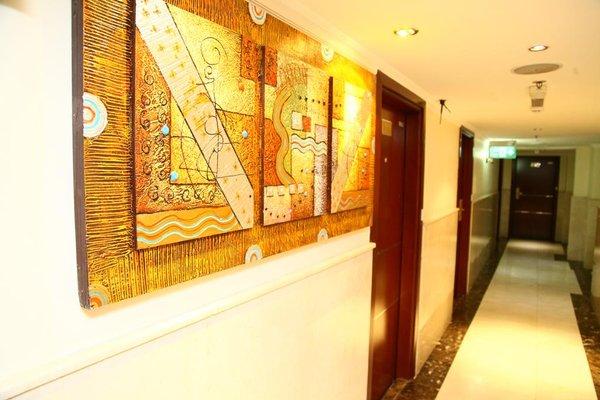 Saffron Hotel - фото 17
