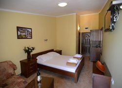 ROOMS & APARTMENTS DOBROTSKI DVORI фото 3