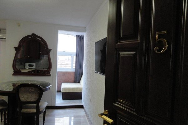 Guesthouse Adrovic - 17