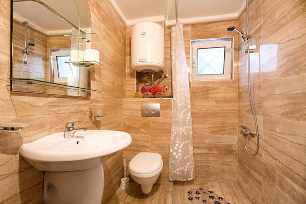 Guesthouse Adrovic - 9