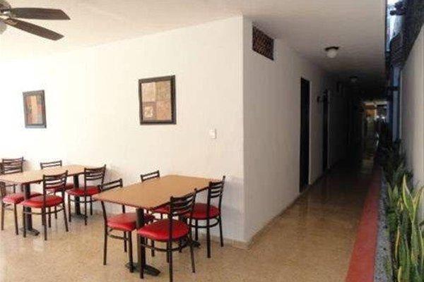 Hotel Las Dalias Inn - 14