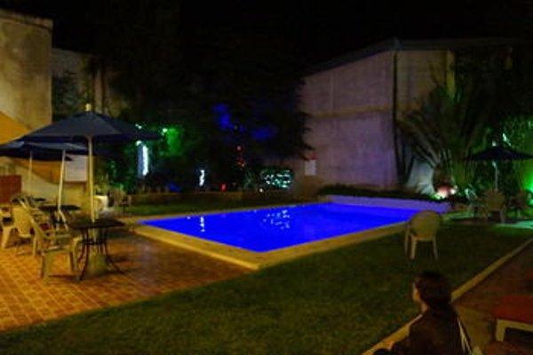 Hotel Las Dalias Inn - 16