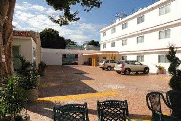 Hotel Las Dalias Inn - 22