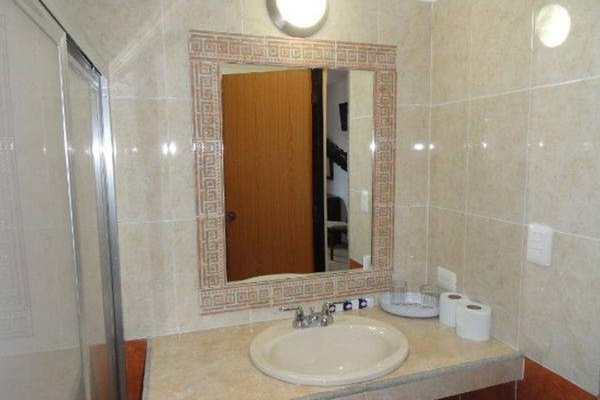 Hotel Las Dalias Inn - 8