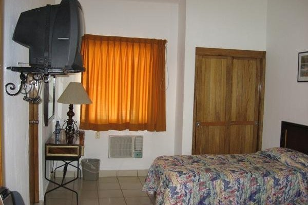 Hotel Los Candiles - 8