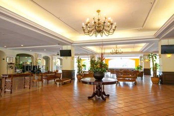 Puteri Resort Ayer Keroh - фото 7