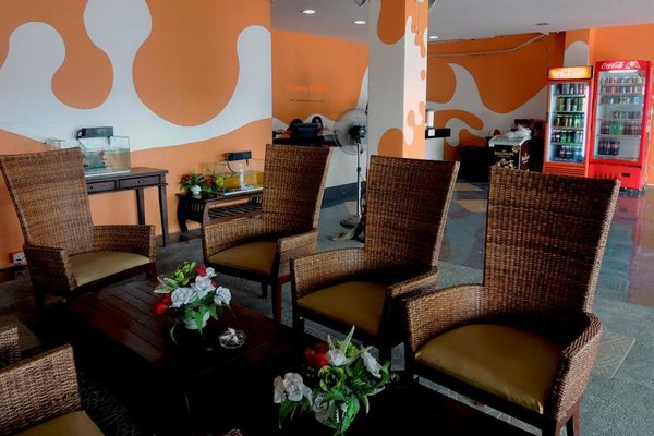 Century Rest Inn - фото 7