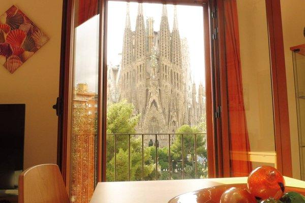 Gaudi's Nest Apartments - фото 14
