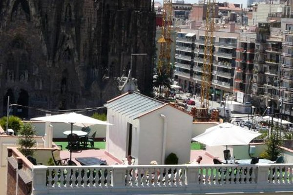 Gaudi's Nest Apartments - фото 21