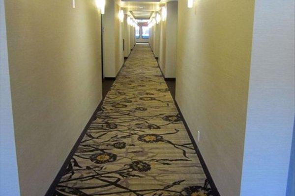 Holiday Inn Express Golden-Kicking Horse - 14