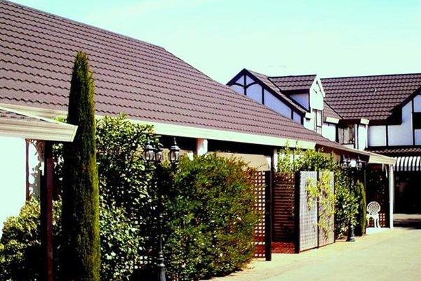 Tudor Lodge Motel - фото 20