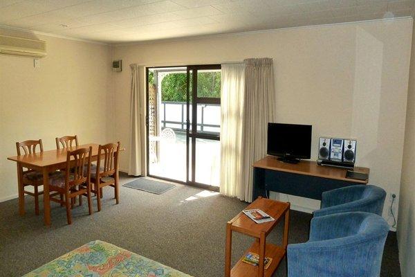 Tudor Lodge Motel - фото 5
