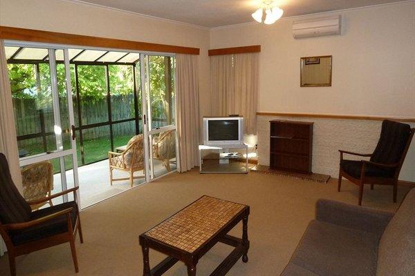 Tudor Lodge Motel - фото 7