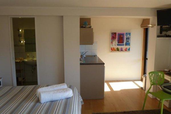 Aquasands Studio Apartments - фото 10