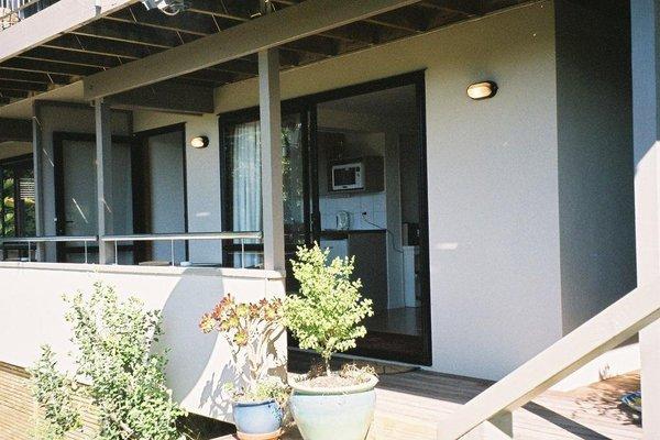 Aquasands Studio Apartments - фото 12