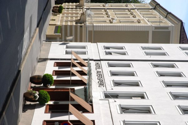 Hotel & Villa Auersperg - фото 23