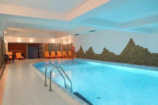Apartament Radowid 15 w centrum z basenem - 14