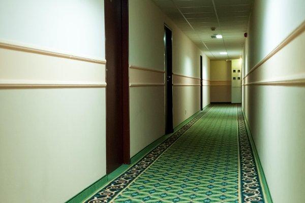 Hit Hotel - фото 17