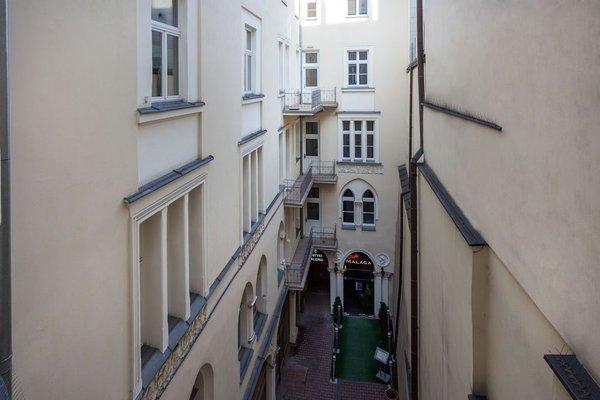 Venetian House Market Square Aparthotel - фото 19