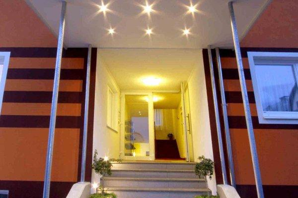EB Hotel Garni - фото 16