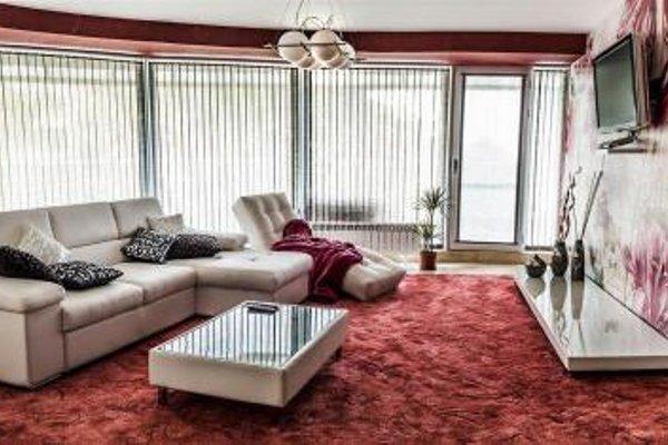 Luxury Apartments Burgas - 20