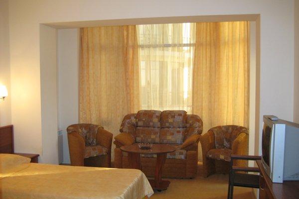 Гостиница Holiday - фото 10