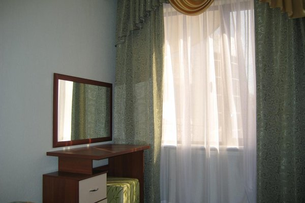 Гостиница Holiday - фото 5